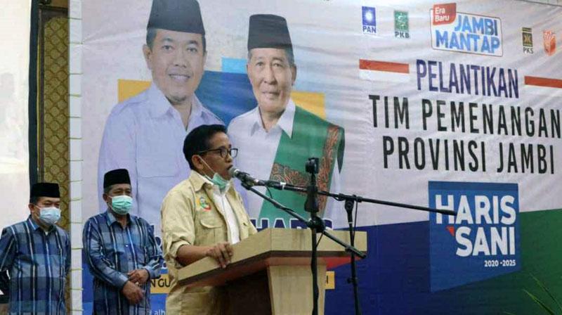 FOTO : H. Bakri Saat Sambutan pada Acara Pelantikan Tim Pemenangan Provinsi Jambi di Gedung Bumi Pasundan, Minggu (13/09/20)