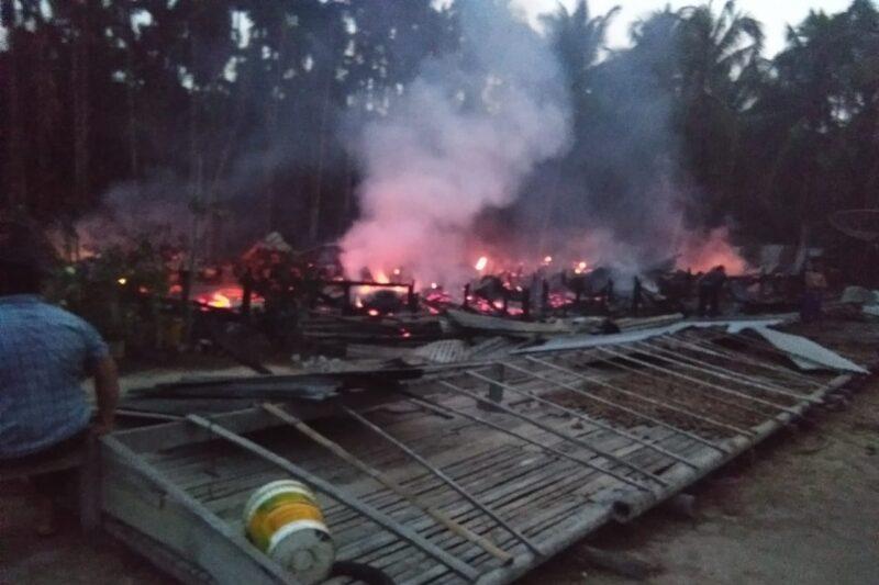 FOTO : Dokumentasi Pemadam dan Penyelamatan Kabupaten Tanjab Barat, Jumat (11/10/19)