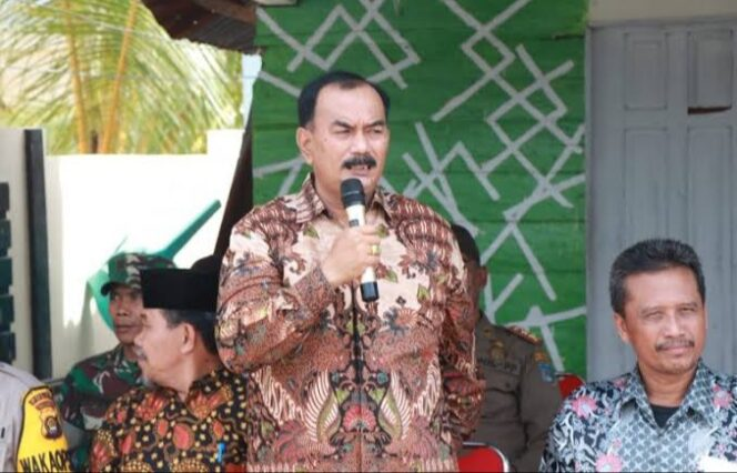 FOTO : Drs. H. Amir Sakib, Wakil Bupati Tanjung Jabung Barat