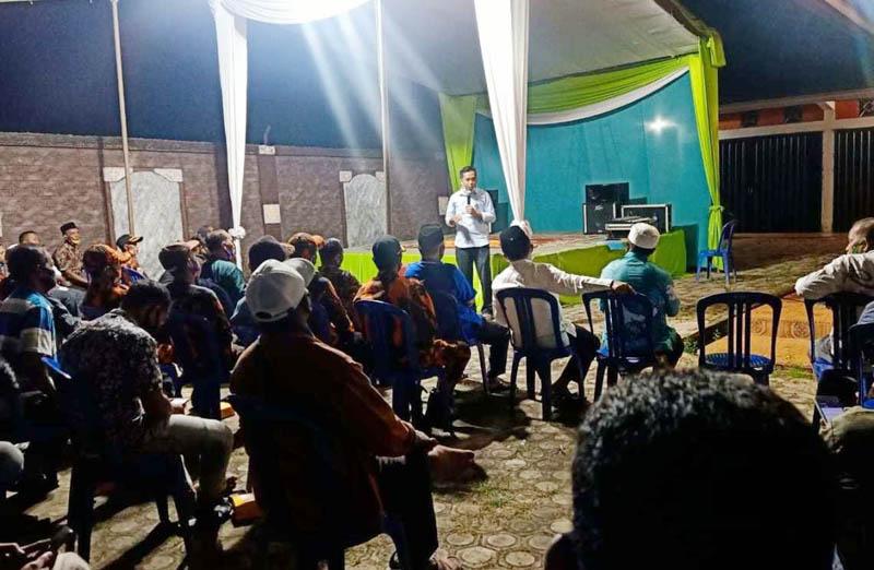 FOTO : Al Haris ketika berkunjung ke Desa Kebon IX, Sungai Gelam, Muaro Jambi, Sabtu (17/10/20)