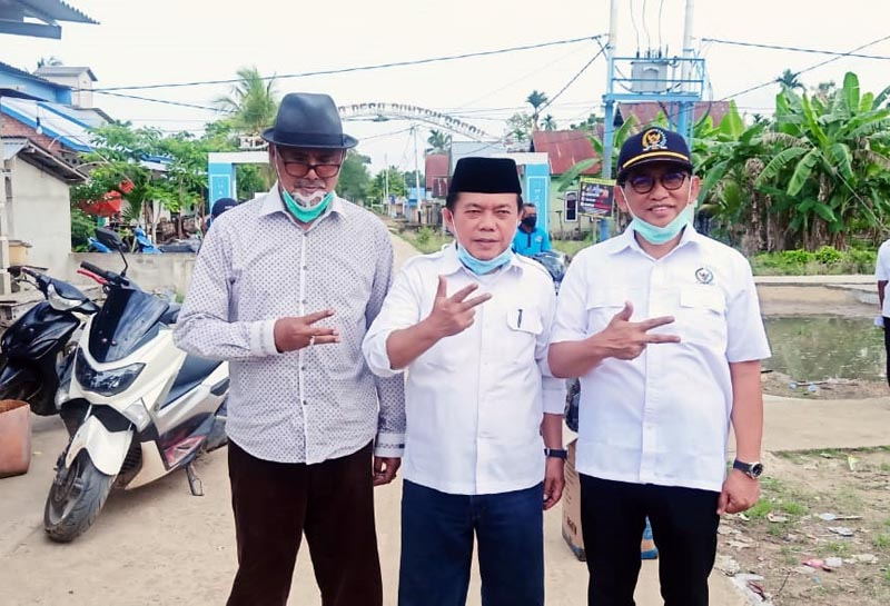 FOTO : H. Bakri Ketua DPW PAN Provinsi Jambi (kanan) Al Haris (tengah) Bupati Tanjab Timur H. Abdullah Hick di Tanjung Jabung Timur, Kamis (15/10/20)