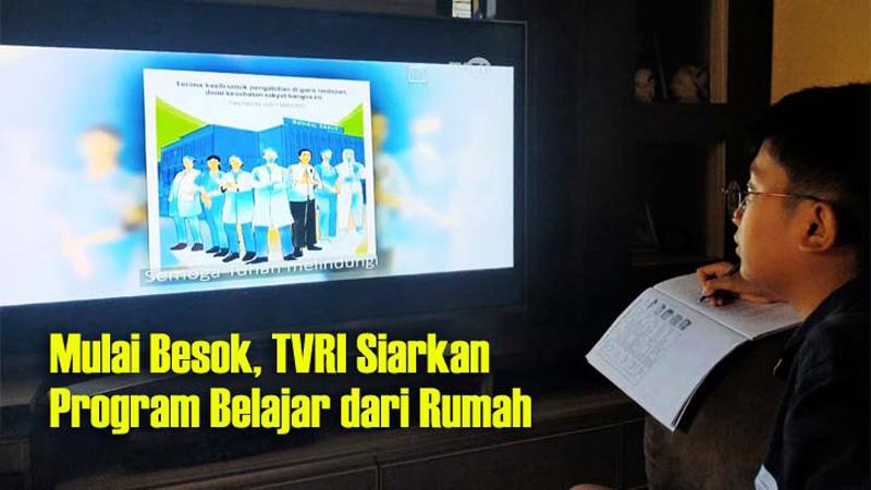 FOTO : Gambar Anak Sedang Belajar depan Televisi/Gambar : news.koropak.co.id