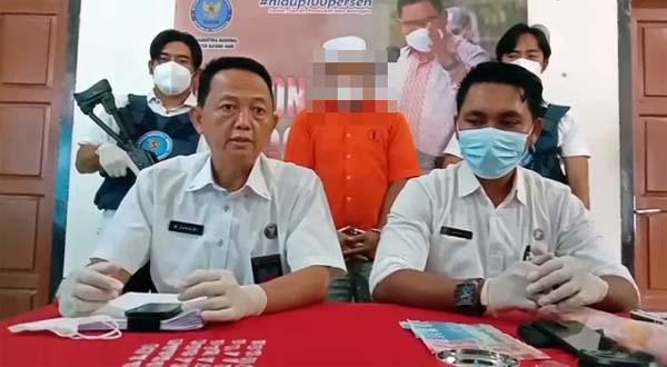Kepala BNNK Batanghari Zuhairi Ketika Menggelar Konfrensi Pers di Muara Bulian, Senin (05/07/21). FOTO : Ard