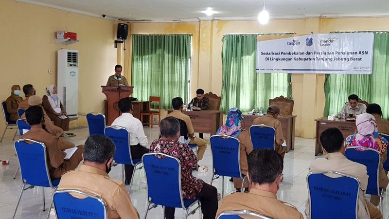 FOTO : Pelaksanaan Sosialisasi Pembekalan dan Persiapan Pensiun di BKPSDM Tanjabbar, Selasa (14/07/20).