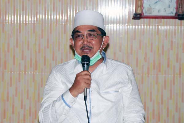 Bupati H. Sadat saat Safari Ramadhan di Masjid Al-Ikhlas desa Kuala Indah Kecamatan Kuala Betara, Senin (03/05/21).