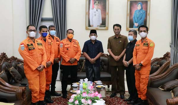 Bupati Tanjab Barat Sambut Silaturrahim Basarnas Provinsi Jambi di Rumah Jabatan Bupati, Senin (20/9/21). FOTO : PROKOPIM