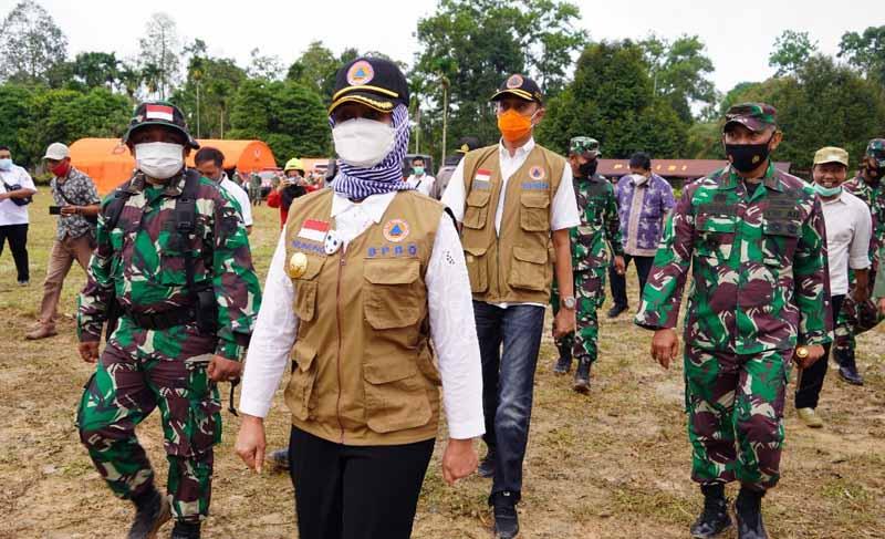 FOTO : Komandan Korem 042/Gapu Brigjen TNI M. Zulkifli hadiri Apel Pembukaan Latihan Gabungan Penanganan Kebakaran hutan dan Lahan provinsi Jambi Tahun 2021. Rabu (24/03/21).
