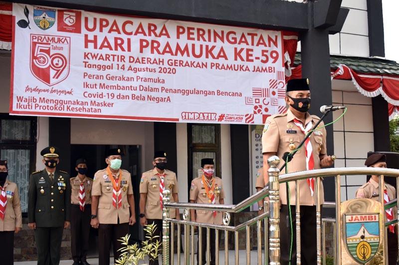 FOTO - Danrem 042/Gapu Brigjend TNI M. Zulkilfi Mimpin Upacara Hari Pramuka Ke 59 tahun 2020 di Lapangan Kwartir Daerah Gerakan Pramuka Jambi, Jumat (14/08/20).