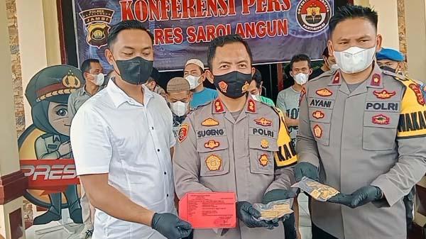 Kapolres Sarolangun AKBP Sugeng Wahyudiono Saat Gelar Pres Rilis, Kamis (7/10/21). FOTO : RES