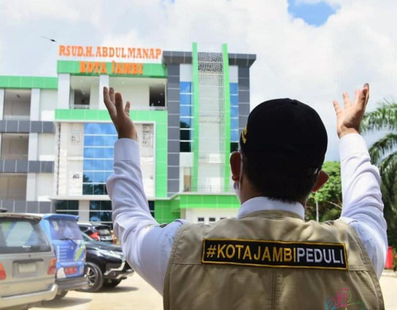 FOTO : Wali Kota Jambi Dr. H. Syarif Fasha, ME saat Meninjau Gedung Baru RSUD. H. Abdul Manap di Kota Jambi (29/04/20).