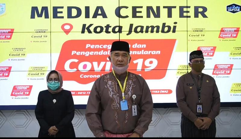 FOTO : Jubir Gugus Tugas Penanganan Covid-19 untuk Kota Jambi, Dr. H. Syarif Fasha saat Menyampaikan Pres Rilis, Senin (18/05/20)