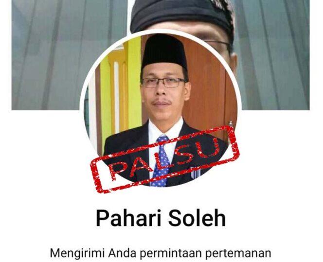 FOTO : Caption Facebook Mengatasnamakan Pahari, SH, Kepala Bidang Mutasi dan Promosi Badan Kepegawaian Daerah Provinsi Jambi