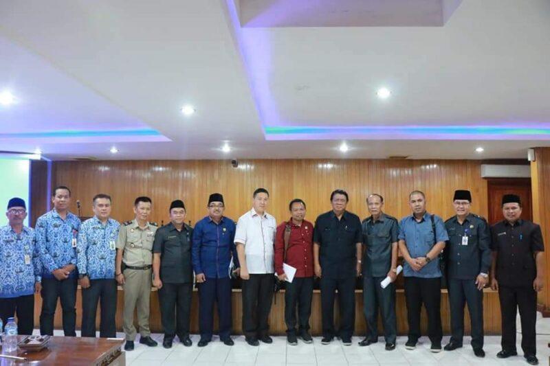 FOTO : Kunjugan Kerja Komisi I DPRD Provinsi Jambi ke Tanjung Jabung Barat di Pola Utama Kantor Bupati, Senin (27/10/19)