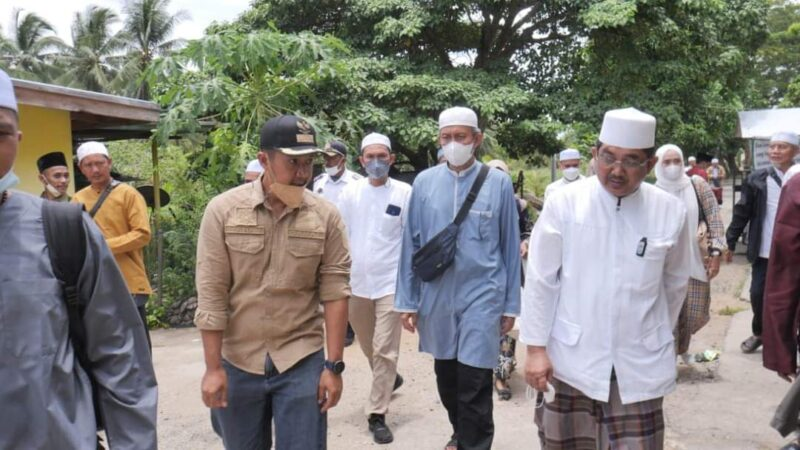 Bupati Tanjabbar H. Anwar Sadat Ketika Hadiri Dzikir dan Do'a Bersama di Kecamatan Kuala Indragiri, Sabtu (18/9/21). FOTO : PROKOPIM