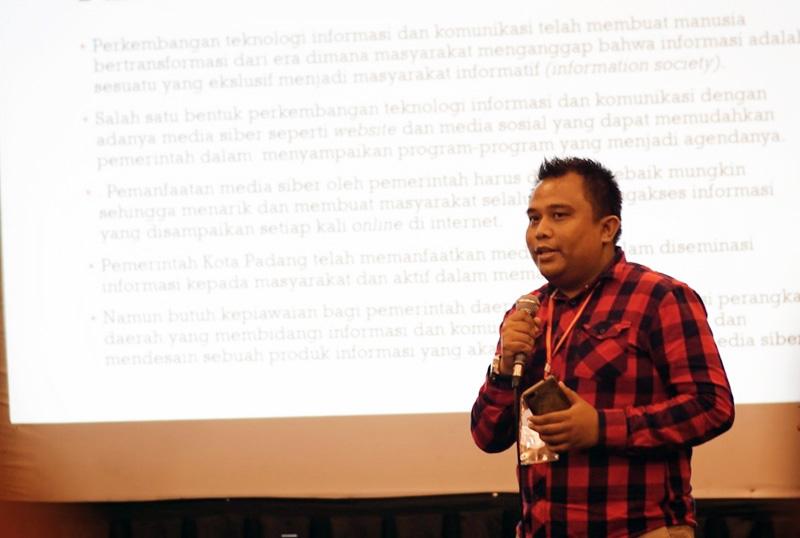 Gerry, S.Ap, M.I.Kom, Penikmat Komunikasi Politik sekaligsu Wakil Ketua KNPI Tanjab Barat