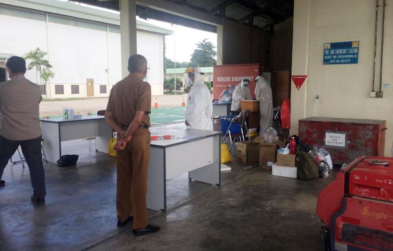 FOTO : Juru Bicara Covid-19 Tanjabbarat H. Taharuddin Saat Berada di PT. Petrochina Jabung Ltd Pematang Lumut, Betara, Selasa (21/07/20)