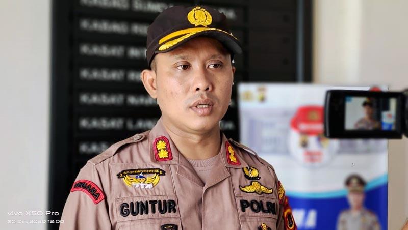 FOTO : Kapolres Tanjab Barat AKBP Guntur Saputo, SIK, MH saat Pres Rilis Akhir Tahun 2020 di Mapolres, Rabu (30/12/20).