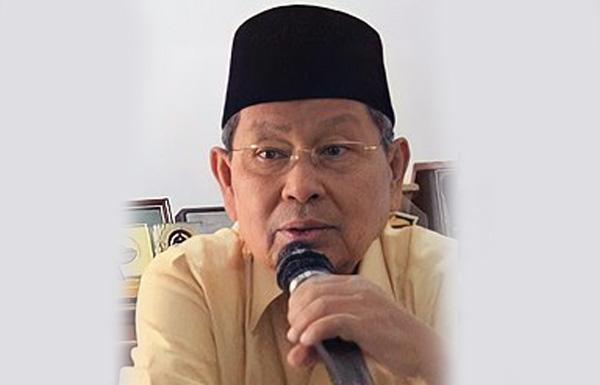FOTO : Alm Datuk Drs. H. Hasip Kalimuddin Syam, MM. SUMBER : Wikipedia.org