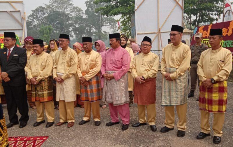 FOTO : Wakil Bupati H. Amir Sakib saat Menghadiri Semarak HUT Ke-20 Kabupaten Sarolangun, Senin (14/10/19)