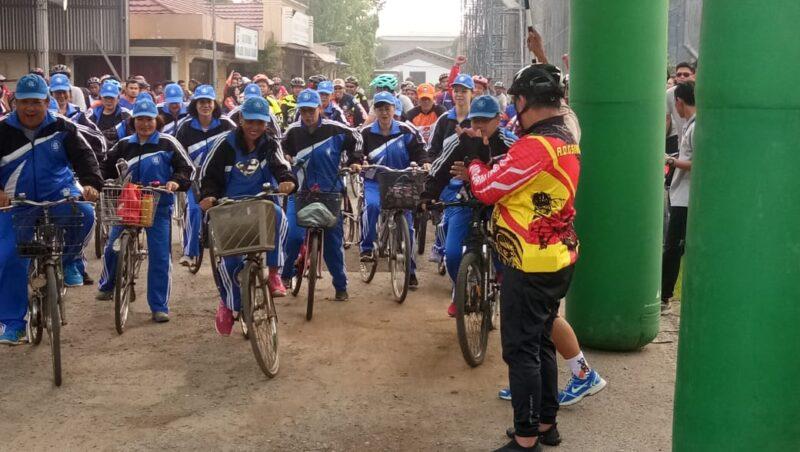 FOTO : Dok. Polres Tanjab Barat bersama Warga Menggelar Olahraga Senam Bersama dan Gowes Pun Bike Kebangsaan, Sabtu (19/10/19).
