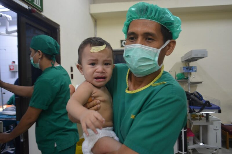 FOTO : Korem 042 Gapu Gelar Bakti Sosial Operasi Gratis 30 Anak Bibir Sumbing, Sabtu (14/12/19)