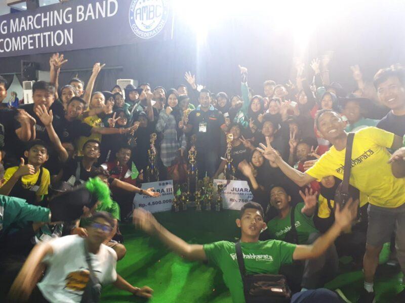 FOTO : M. Ardiansyah Bersama Tim Marching Band Gita Bersama Tanjab Barat Ikuti Minang Marching Band Competition Tingkat Nasional ke 8 di Padang, Minggu (15/12/19)