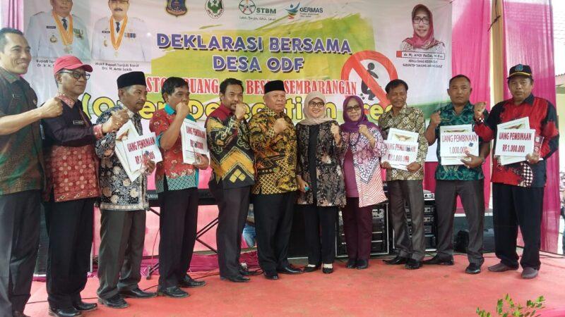 FOTO : Bupati Tanjabbar, Dr. Safrial menghadiri Deklarasi Stop Buang Air Besar Sembarangan (BABS /Open Defecation Free) di Desa Sukai Damai, Kecamatan Tebing Tinggi, Rabu (09/01/20)
