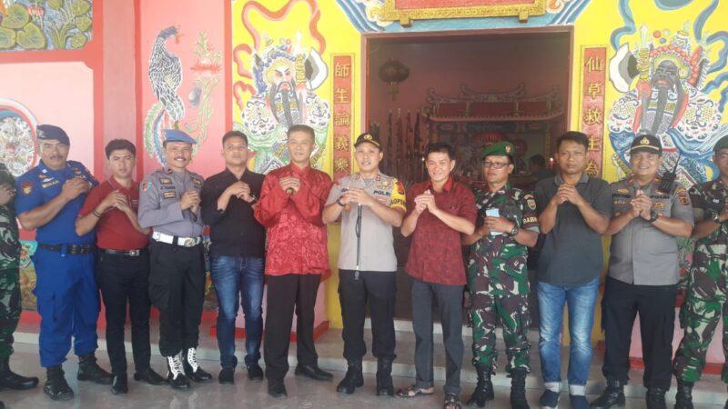 FOTO : Kapolres AKBP Guntur Saputro, SIK, MH, Saat Kunjungi Perayaan Cap Gomeh di Klenteng Leng Sang Keng Kuala Tungkal, Sabtu (25/01/20)