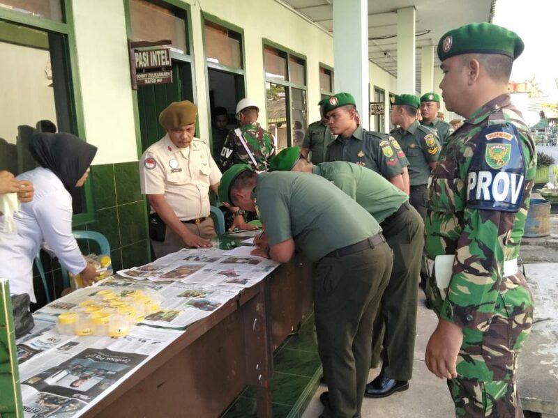 FOTO : Pelaksanaan Tes Urine Prajurit dan staf PNS di Korem 042 Gapu, Senin (02/03/20)