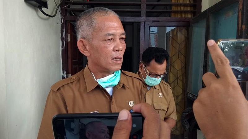 FOTO : Taharuddin, selaku Juru Bicara Tim Gugus Pencegahan dan Penanggulangan Covid-19 Kabupaten Tanjung Jabung Barat kepada sejumlah wartawan, Senin (23/03/20) sore.