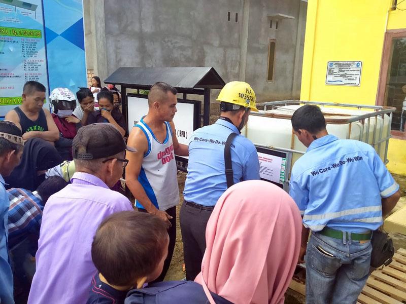FOTO : Tanky Hypo Disinfectant PT. Lontar Papyrus Pulp and Paper Industry (PT. LPPPI) Yang Dibgaikan Kemasyarakat, Jumat (27/03/20)