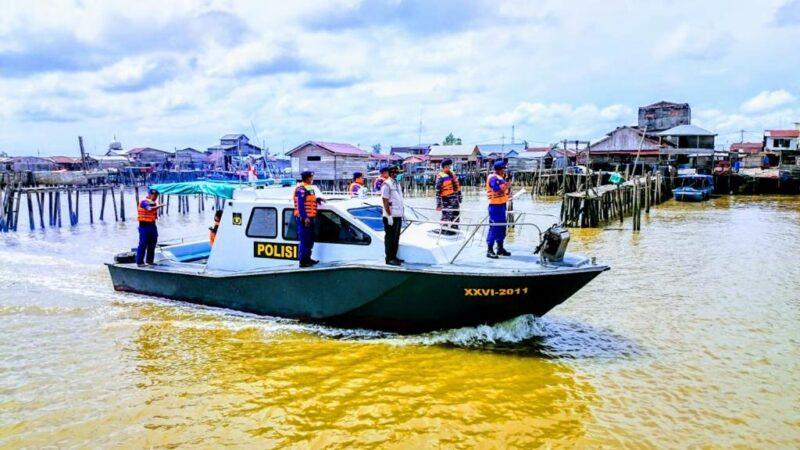 FOTO : Pelaksanaan Giat Himbauan dari Sungai oleh Polres Tanjabbar, TNI AL dan Instansi Terkait.