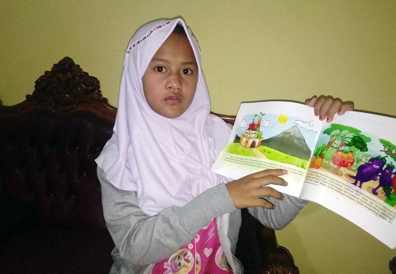 FOTO : Gambaran Gaya Membaca Belajar Di Rumah SDN 131/IV Kota Jambi