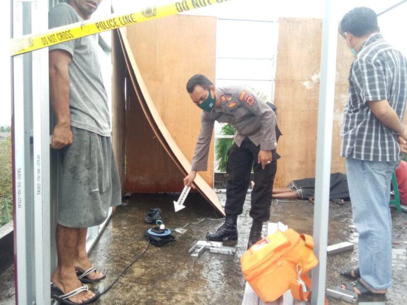 FOTO : Kapolsek Betara AKP S. Harefa, SE, MM Saat Lakukan Olah TKP di Lokasi Kejadian, Senin (01/06/20)