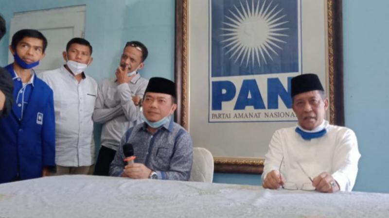FOTO : Dr. H. Al-Haris dan H. Abdulah Sani di DPD PAN Provinsi Jambi