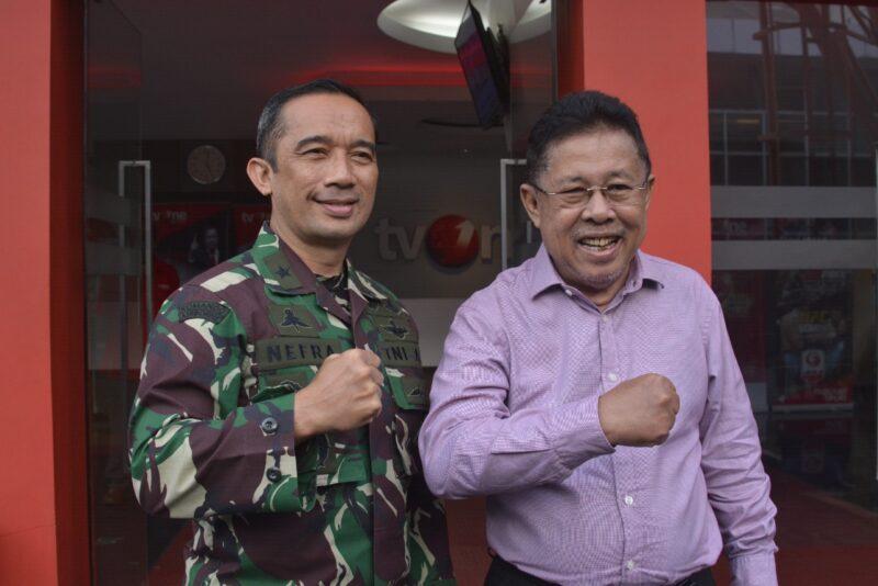 FOTO : Kepala Dinas Penerangan TNI Angkatan Darat (Kadispenad) Brigadir Jenderal TNI Nefra Firdaus pada saat mengadakan kunjungan ke Studio TV One, Jakarta, Jumat (19/06/20).