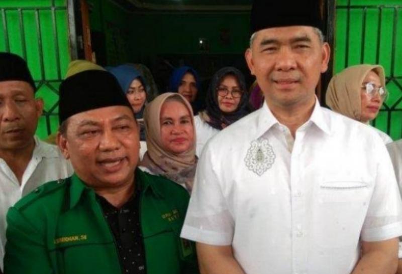 FOTO : Dr. H. Syarif Fasha (Baju Putih)