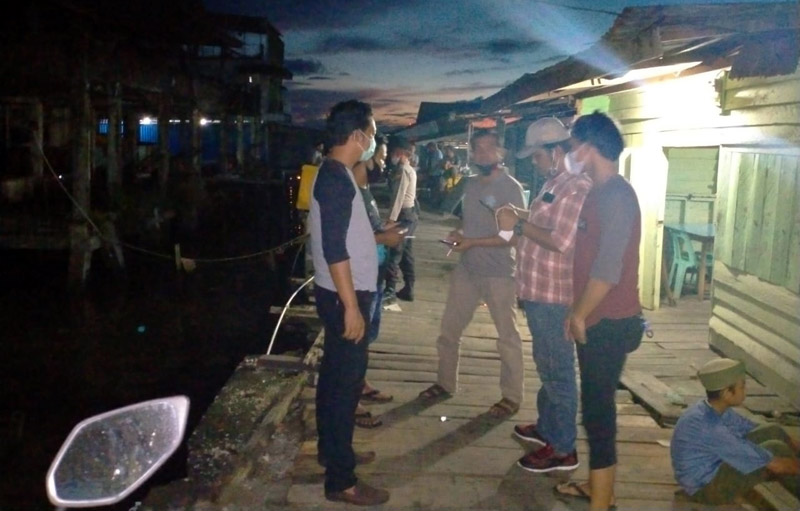 FOTO : Petugas Kepolisian Berada di TKP Penemuan Mayat, Senin (20/07/20)