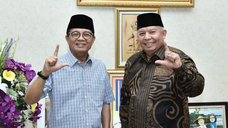 FOTO : Calon Gubernur Jambi Dr. H. Fachrori dan Calon Wakil Gubernur Jambi Dr. H. Safrial