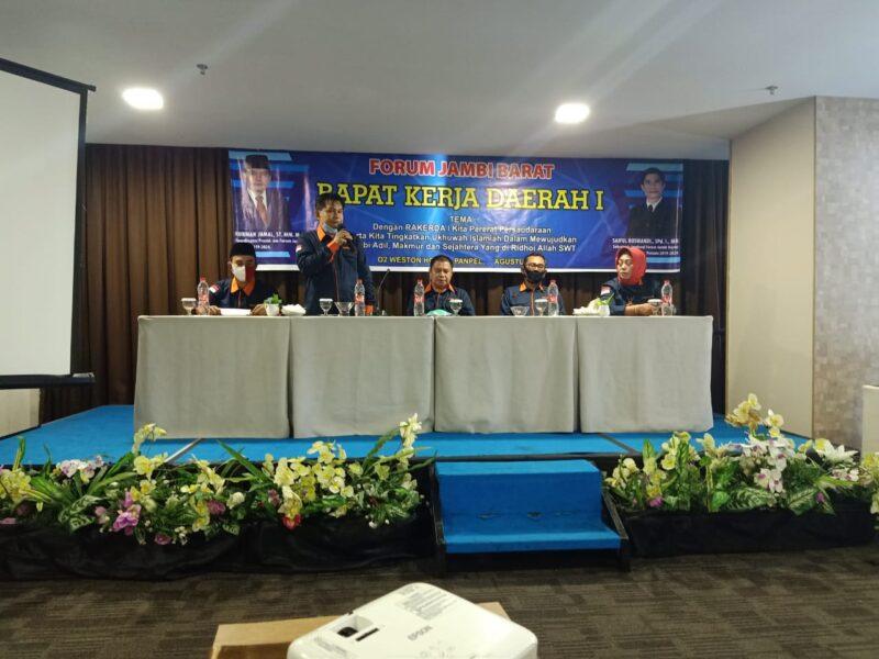 FOTO : Forum Jambi Barat Saat Menggelar Rapat Kerja Daerah I di Hotel O2 Weston Jambi, Minggu (16/08/20).