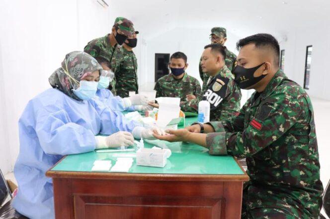 FOTO : Pelaksanaan Rapid Test Covid-19 Terhadap Perwira dan Anggota Kodim 0419/Tanjab menjalani Rapid Test Covid-19, Selasa (25/08/20)