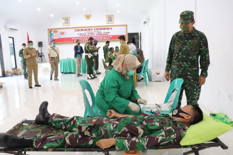 FOTO : Donor Darah dalam Rangka HUT TNI Ke 75 di Kodim 0419/Tanjab, Selasa (22/09/20)