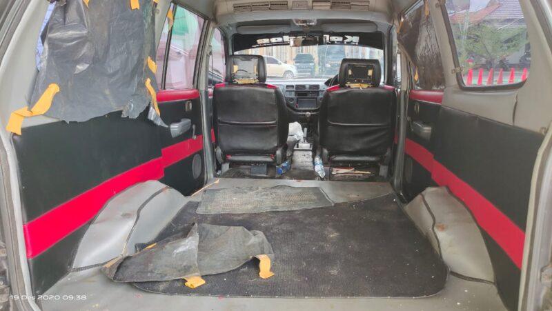 FOTO : Penampakan Mobil Kijang SLX yang digunakan Mengangkut Seludupan Benih Lobster Diamankan Lolisi dibDesa Kuala Indah