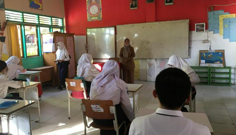 FOTO : Simulasi Pembelajaran Tatap Muka di Masa Pandemi SMP Negeri 2 Kuala Tungkal.