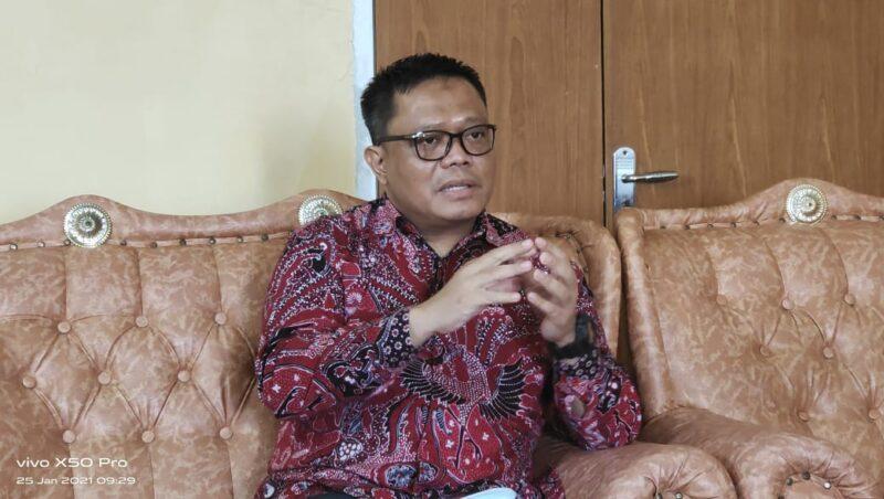 FOTO : Rektor Univereitas Adiwagsa Jambi Seno Aji, S.Pd, M.Eng