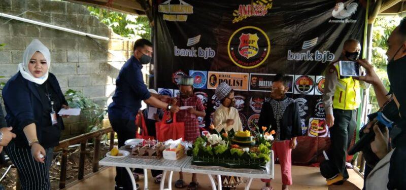 FOTO : Acara HUT Satu tahun Pertama Jurnal Polri digelar di Caffe D' Bojong Cimenyan, Kabupaten Bandung, Sabtu (13/02/21)
