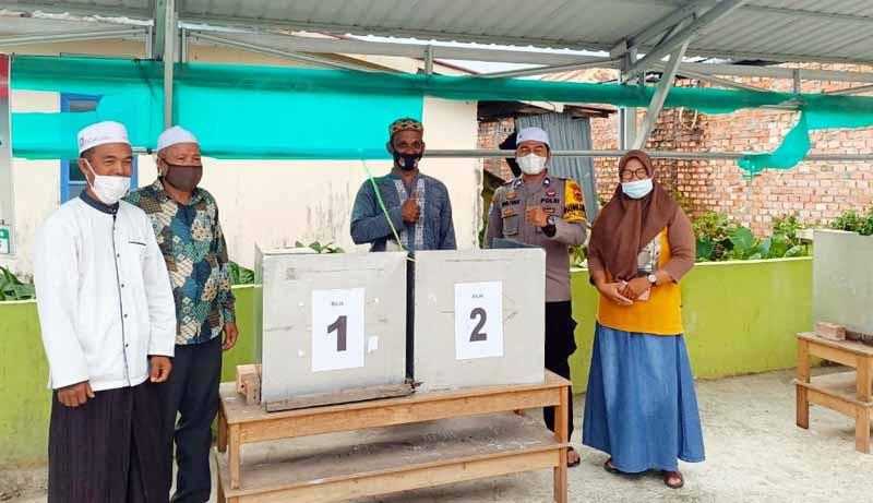 FOTO : Pemilihan Ketua RT di lingkungan Rukun Tetangga 020 Kelurahan Patunas Kecamatan Tungkal Ilir, Jumat (19/02/21)