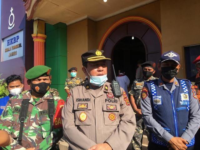 FOTO : Kabag Ops Polres Tanjab Barat, Kompol Iswandi Syahlan, SH