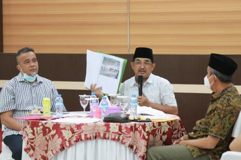 Bupati Tanjab Barat H. Anwar Sadat Pimpin Rapat Koordinasi dihadiri OPD terkait dan unsur Pimpinam PT PWS di rumah dinas Bupati. FOTO : Istimewa