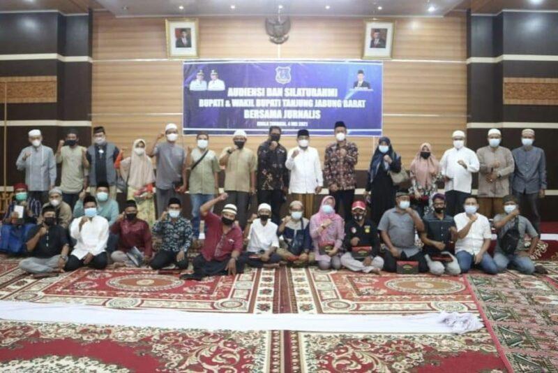 Pemkab Tanjab Barat mengelar sikaturrahmi dan dialig dengan organisasi media dan organisasi wartawan se Tanajab Barat, Selasa (04/05/21).